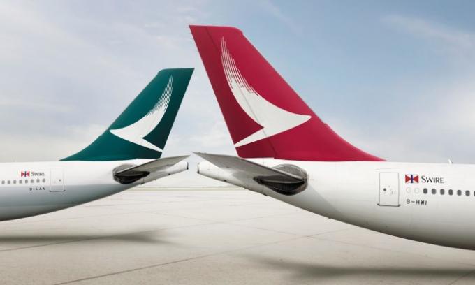 Hãng Cathay Dragon có trụ sở tại Hong Kong có biểu tượng nét thư pháp tượng trưng cho hình ảnh cánh chim trời, vừa mang vẻ hiện đại vừa có nét truyền thống Á Đông.
