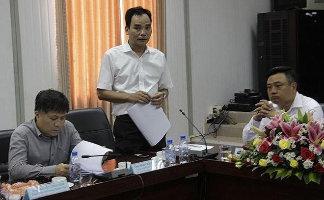 Trưởng Ban quản lý dự án Nhiệt điện Long Phú Nguyễn Doãn Toàn (đứng):