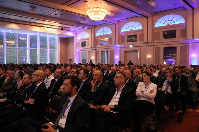 Hơn 300 nhà cung cấp quốc tế tham dự hội thảo bày tỏ sự quan tâm lớn đến dự án VinFast.
