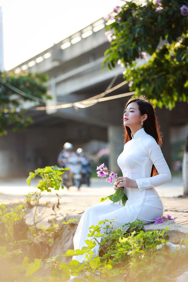 Lê Song Ngân cho biết bộ ảnh được chụp trong vòng thời gian rất ngắn, tuy nhiên những khoảnh khắc thu về lại thể hiện đầy đủ cảm xúc của cô.