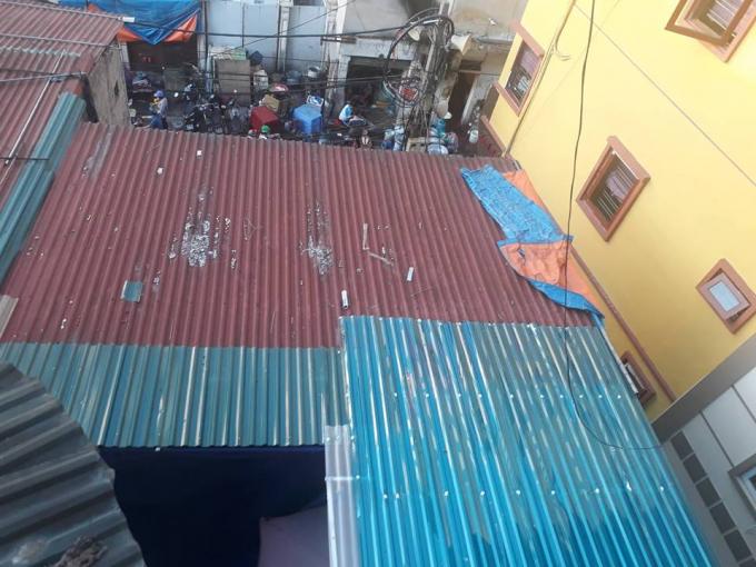 Công trình vi phạm lấn chiếm khoảng không gian của khu tập thể B5 Vĩnh Hồ.
