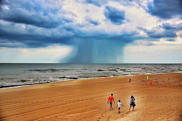 Đám mây là điềm báo thời tiết nguy hiểm, sắp có mưa dông, sấm sét, gió giật mạnh. Ảnh TPO.