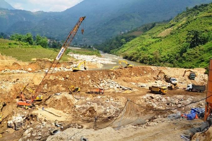 Dự án nhà máy thủy điện Bản Hồ vẫn ngang nhiên xây dựng khi chưa đền bù giải phóng mặt bằng