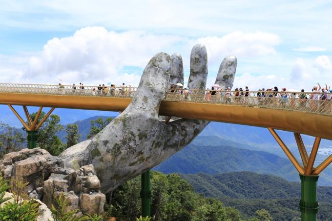 Cầu Vàng Sun World Ba Na Hills.