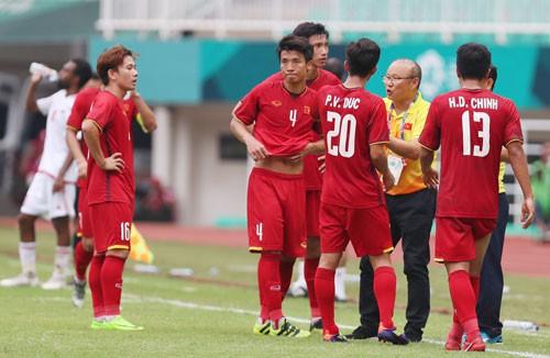Những tài năng trẻ đã quen chơi bóng với nhau nhiều khả năng sẽ được HLV Park Hang-seo chọn lựa và đưa đội Olympic làm nòng cốt cho AFF Suzuki Cup 2018. Ảnh: ĐỨC ANH