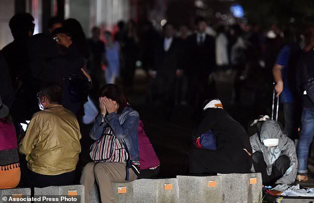 Động đất gây mất điện diện rộng trên đảo Hokkaido. (Ảnh: AP)