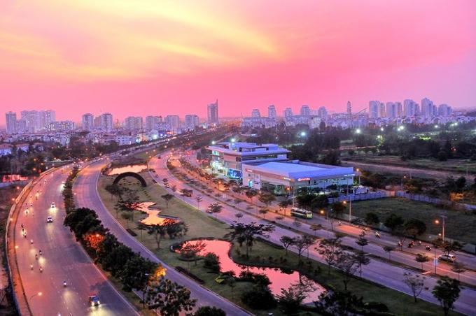 Đại lộ Nguyễn Văn Linh do Công ty TNHH Phát Triển Phú Mỹ Hưng xây dựng