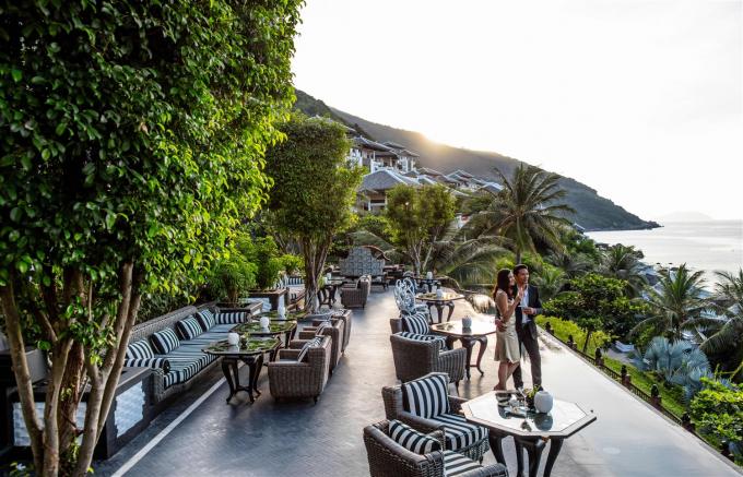 Hay trải nghiệm bữa ăn tuyệt đỉnh tại La Maison 1888 - Nhà hàng sang trọng nhất khu vực châu Á 2017 giữa thiên nhiên mướt xanh trong lành của Sơn Trà, phóng tầm mắt ra đại dương bao la màu ngọc bích lóng lánh ánh mai, thư thái thưởng thức nghệ thuật ẩm thực đỉnh cao được chế biến bởi những đầu bếp hạng sao Michelin.