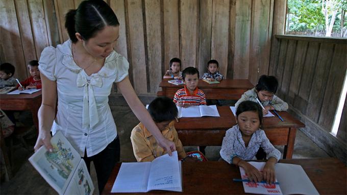Bộ Giáo dục chỉ đạo hướng dẫn HS không viết, vẽ vào SGK. Ảnh: Lê Anh Dũng