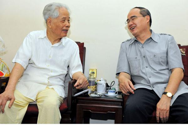 Chủ tịch MTTQ VN Nguyễn Thiện Nhân nói nguyên Tổng bí thư là kho tàng lịch sử truyền lại cho con cháu