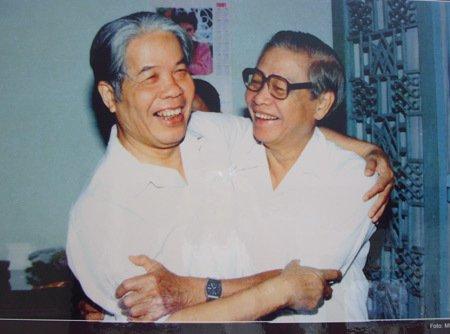 Nguyên Tổng bí thư Đỗ Mười và nguyên Thủ tướng Võ Văn Kiệt. Ảnh tư liệu