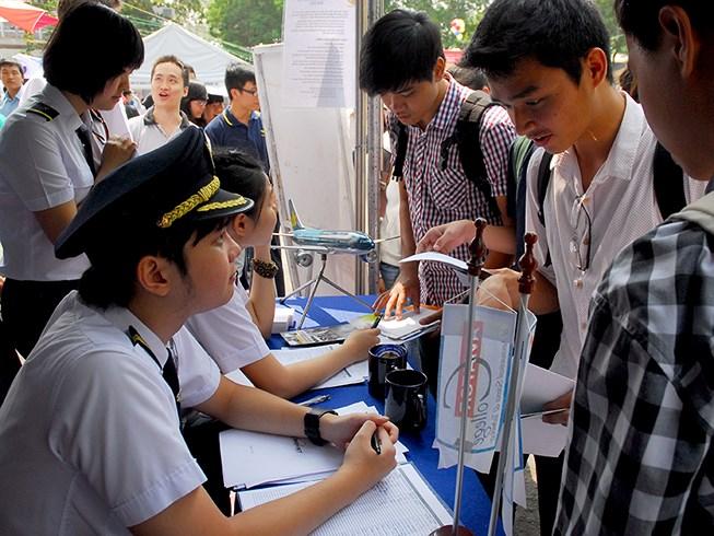 Tuyển sinh đào tạo phi công tại TP.HCM. Ảnh: HTD
