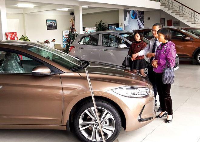 Doanh số bán xe cuối năm tăng trưởng mạnh mẽ