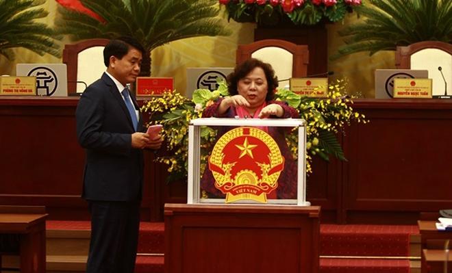 Tại kỳ họp lần này, HĐND TP cũng sẽ ban hành nghị quyết về việc lấy phiếu tín nhiệm đối với người giữ chức vụ do HĐND bầu.