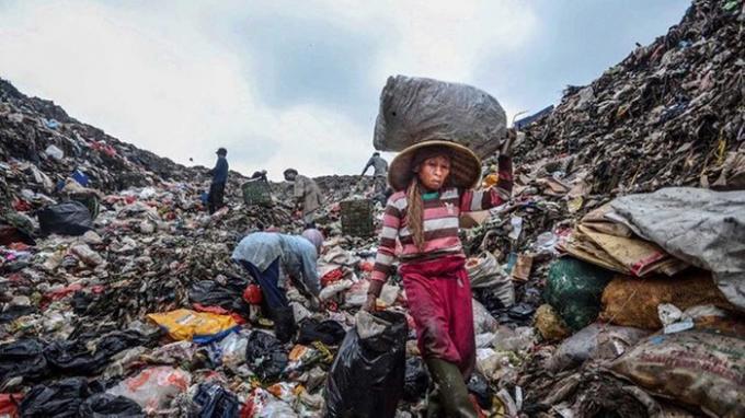 Indonesia chật vật xử lý rác thải nhựa