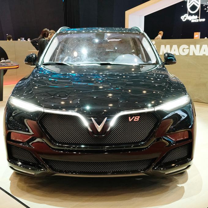 Lộ diện mẫu SUV LUX phiên bản động cơ V8 của VinFast