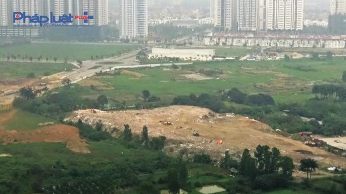 Một diện tích lớn đã bị biến thành bãi rác.
