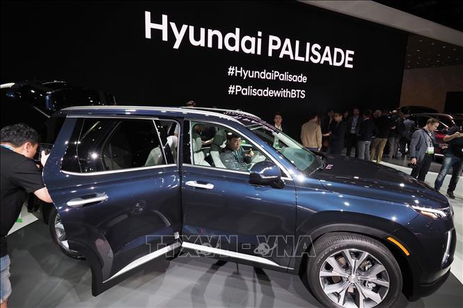 Các mẫu xe của Hyundai trưng bày tại Triển lãm Ô tô Los Angeles, Mỹ, ngày 28/11/2018. Ảnh: AFP/TTXVN