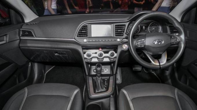 Không gian nội thất bên trong Hyundai Elantra 2019 tại Malaysia