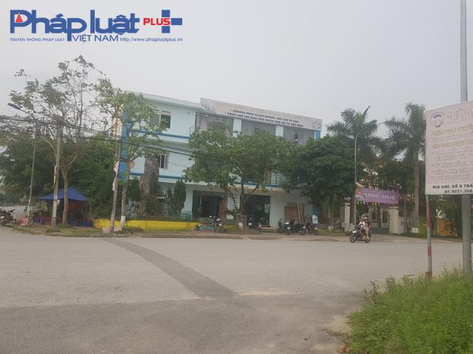 Tòa nhà căng tin của trường chất lượng cao Phước Huệ.