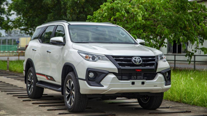 fortuner-trd-ngoai-that-1--1572509941-width1004height565