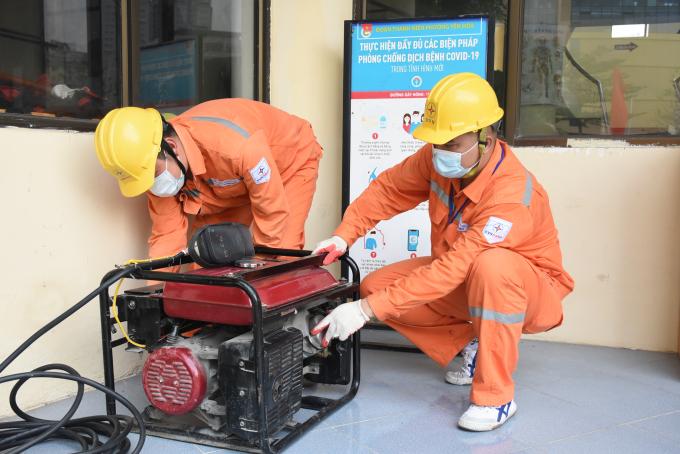 EVNHANOI bố trí máy phát điện dự phòng trong trường hợp khẩn cấp