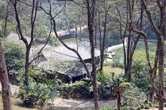 Cụm công trình không phép tại Vườn Quốc gia Ba Vì (Ảnh: Quang Phong).