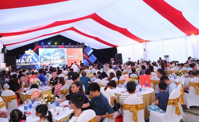Sự kiện bốc thăm trúng thưởng tại Vinhomes Thăng Long thu hút hàng trăm khách hàng tham dự