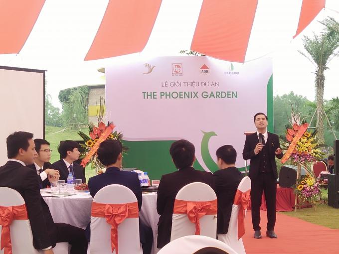 Đại diện chủ đầu tư giới thiệu về dự án.