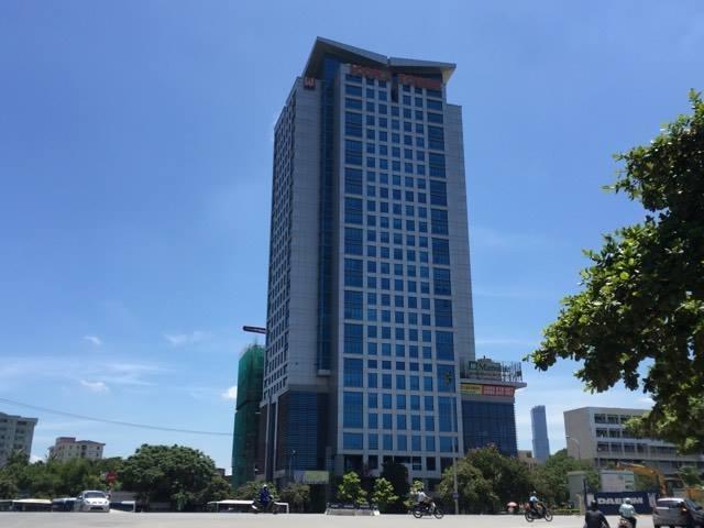 Các tầng toà nhà thương mại Icon 4 Tower đang biến thành tổ hợp các văn phòng.
