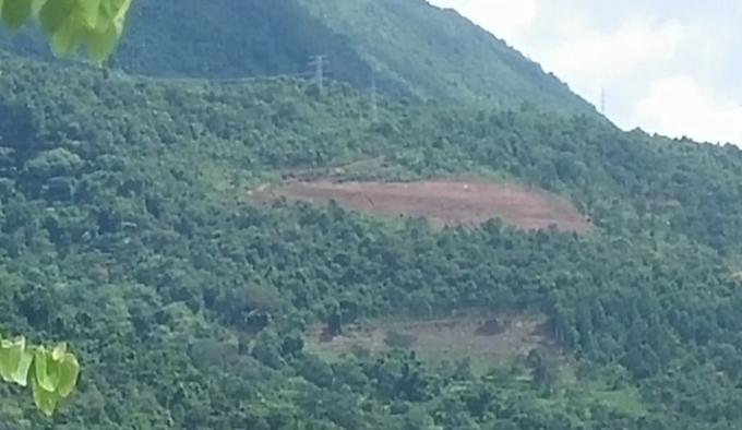 Người dân không đồng tình khi thị xã Mường Lay đã chi đến 6 tỉ đồng để san ủi một phần diện tích đất rất nhỏ.