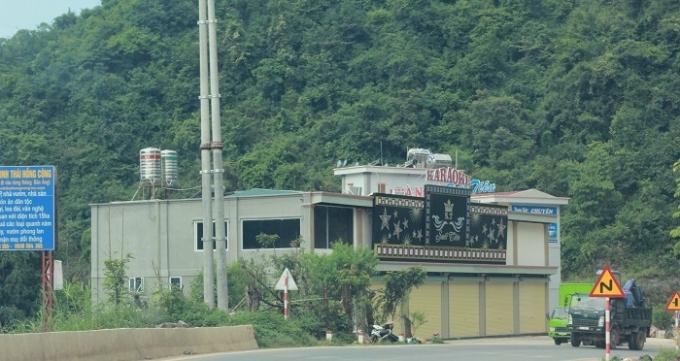 Bãi xe tĩnh được UBND tỉnh Sơn La chấp thuận quy hoạch được doanh nghiệp Hạt Thường biến tấu thành nhà nghỉ và quán karaoke Suối Tiên.