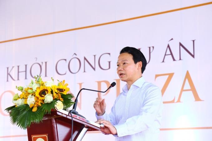 Ông Đỗ Đức Duy – Thứ trưởng Bộ Xây dựng chỉ đạo chủ đầu tư trong việc thực hiện dự án.