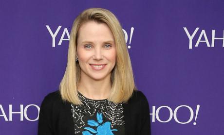 hờ vào cổ phiếu nắm giữ tại Yahoo, bà Mayer có thể thu về hơn 900.000 đôla mỗi tuần.
