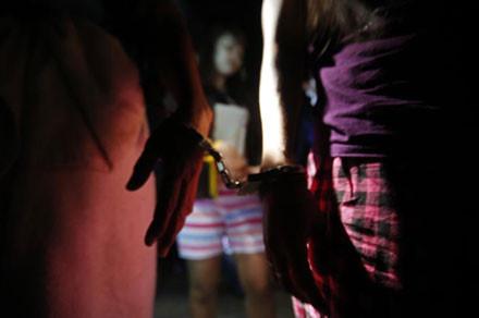 Hơn 1000 lao động nước ngoài bất hợp pháp bị bắt ở Malaysia . Ảnh: Reuters.
