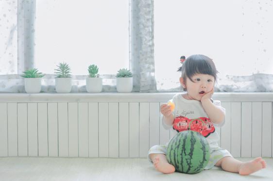 Bố của JoJo đã nguyện làm nhiếp ảnh gia riêng cho con gái từ khi bé mới chào đời năm 2014.