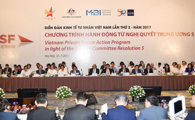 Thủ tướng Chính phủ Nguyễn Xuân Phúc tham dự Diễn đàn Kinh tế tư nhân Việt Nam.