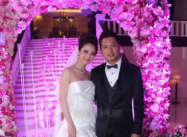 Jennifer Phạm bên người chồng mới. Ảnh: internet.