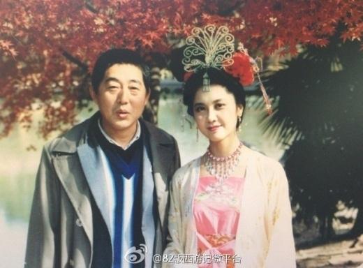 Quốc vương Tây Vương Lữ Quốc chụp ảnh giao lưu với đồng nghiệp. Ảnh: internet.