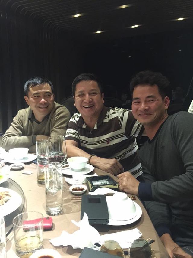 Đạo diễn Đỗ Thanh Hải, diễn viên Chí Trung và Xuân Bắc vui vẻ trong buổi hội ngộ cuối năm. Ảnh: internet.