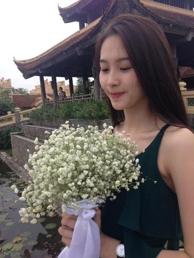 Bảo Linh có vẻ đẹp dịu dàng. Ảnh: internet.