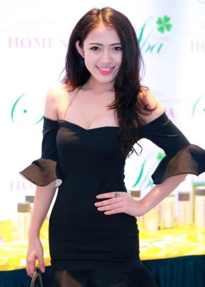 Trang Cherry cũng là người tình một thời của chân sút Việt Kiều này. Ảnh: internet.