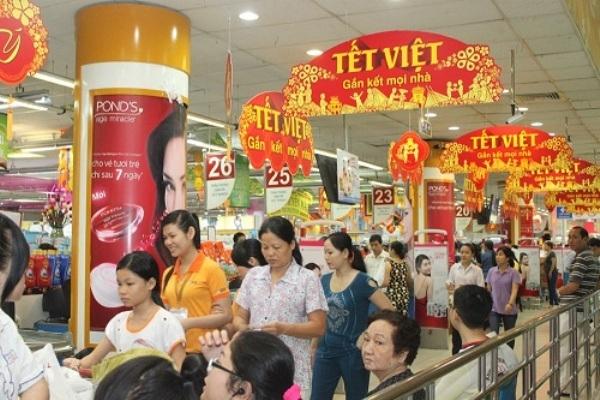 Việc mua sắm tết hầu hết diễn ra ở các cửa hàng, siêu thị, tiện lợi và đầy đủ hơn so với ngày xưa rất nhiều. Ảnh: internet.