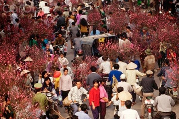 Một góc chợ hoa tết ngày ấy. Ảnh: internet.