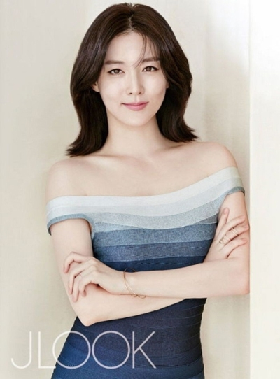 Lee Young Ae sinh năm 1971, là diễn viên chính trong bộ phim truyền hình nổi tiếng Nàng Dae Jang Geum. Ảnh: internet.
