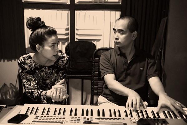 Cuộc tình giữa Hà Hồ và nhạc sỹ Đức Trí cũng từng để lại nhiều tiếc nuối cho người hâm mộ khi họ chia tay. Ảnh: internet.