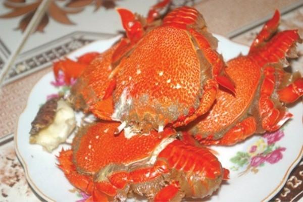 Món cua ở đảo Lý Sơn là một trong những loại hải sản được nhiều người yêu thích khi đến đây.