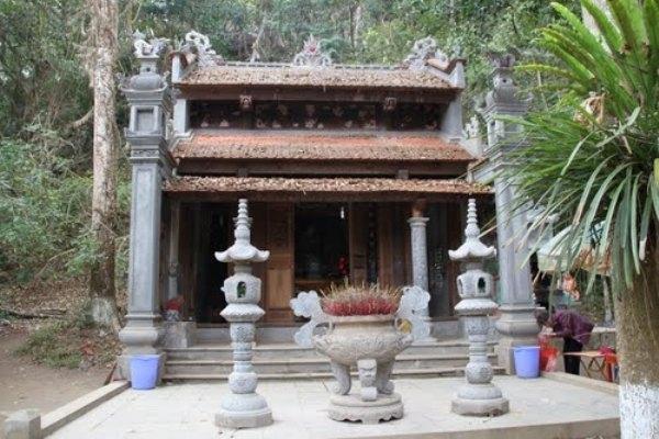 Đền thờ thần rắn ở Thanh Hóa.
