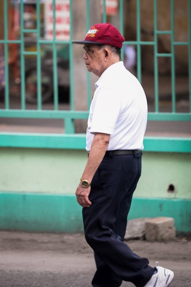 Bố Minh Thuận ở Mỹ về thăm con trai. Ảnh: Nguyễn Bá Ngọc.