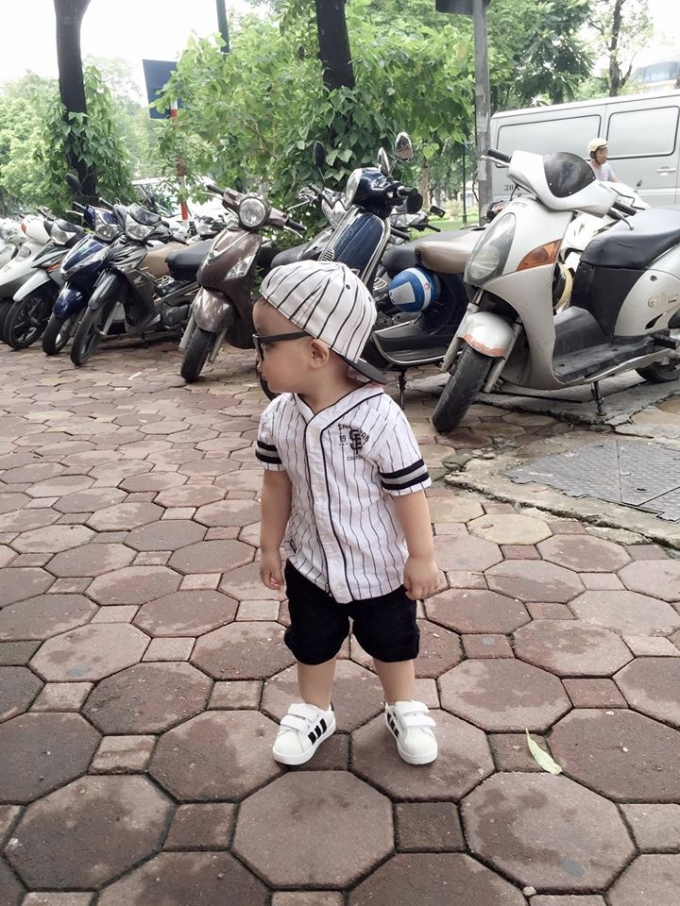 Những khoảnh khắc vô cùng đáng yêu của con trai Tâm Tít được cô thường xuyên chia sẻ trên trang cá nhân facebook.